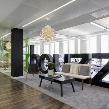 Houzz - You will quickly notice the open-plan layout, which allows for great collaboration between teams and countries (teams that support our communities in the UK, Ireland, France, Spain, Denmark and Sweden all work out of this office).