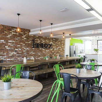 Houzz - Here's the Houzz cafe, where teams meet for lunch, office gatherings and, of course, birthday cake!