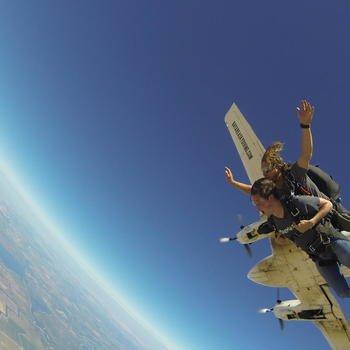 Magoosh - Skydiving team adventure
