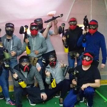 Loadsmart - Our Paintball team having some afterwork!