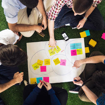 Moove-IT - TEAM OVER INDIVIDUALS>    We are good team players. We think that great things can only be achieved through a sustainable, strong and professional team.