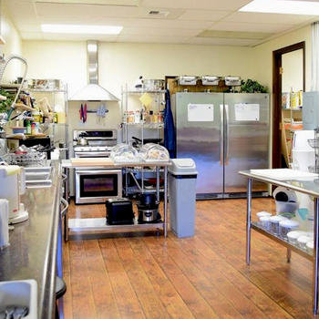 CrystalCommerce - Our full size kitchen for those that like to cook.