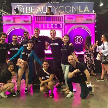 Mira - BeautyCon 2k18 with the whole team!