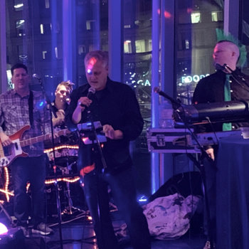 Skyhook Wireless - Our Geospatial Lead VP rocking out in style backed by Boston's hometown favorite live karaoke band The Jukebox Heroes