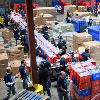 OpenX - OpenX gives back at the LA Food Bank