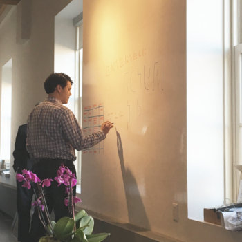 BioConnect - We brainstorm on our walls made of whiteboards